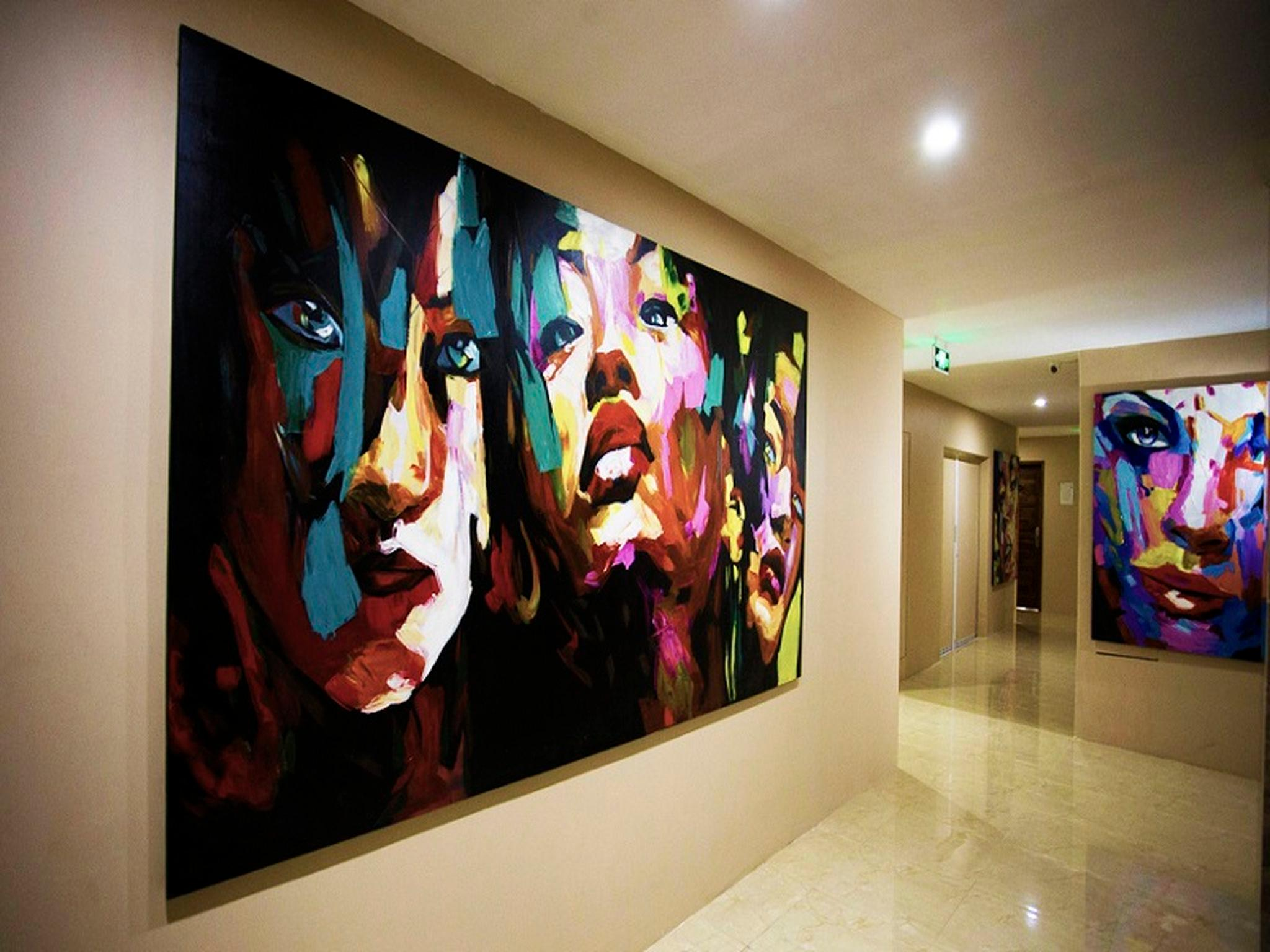 http://pix7.agoda.net/hotelImages/111/1110580/1110580_16062114310043891255.jpg